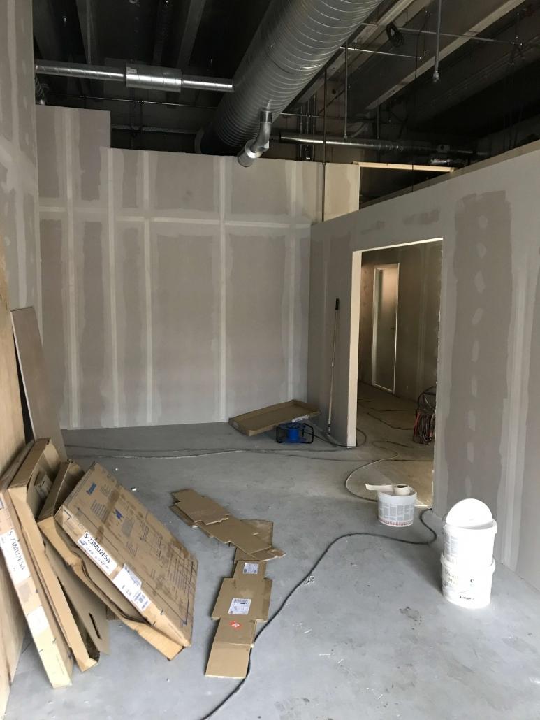 renovering af rum, gipsvægge uden loft og uden maling