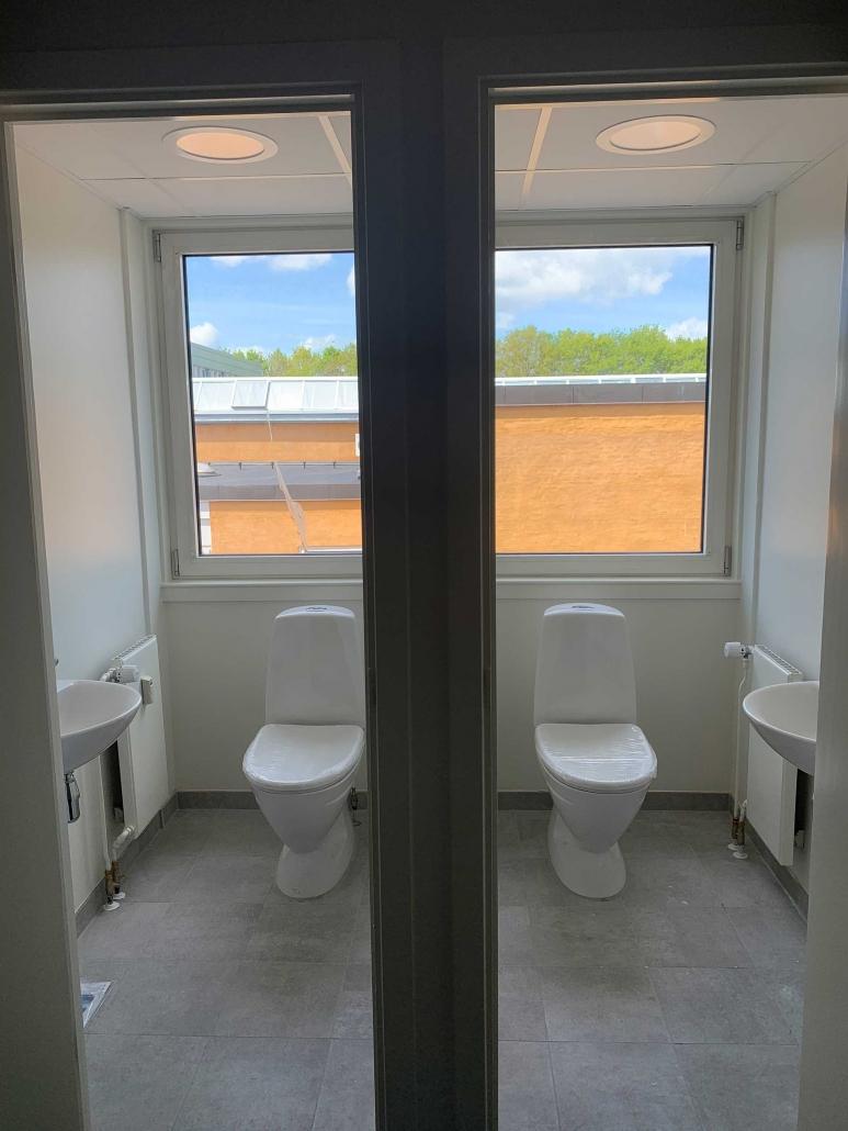 Eksempel på en servicering af et toilet